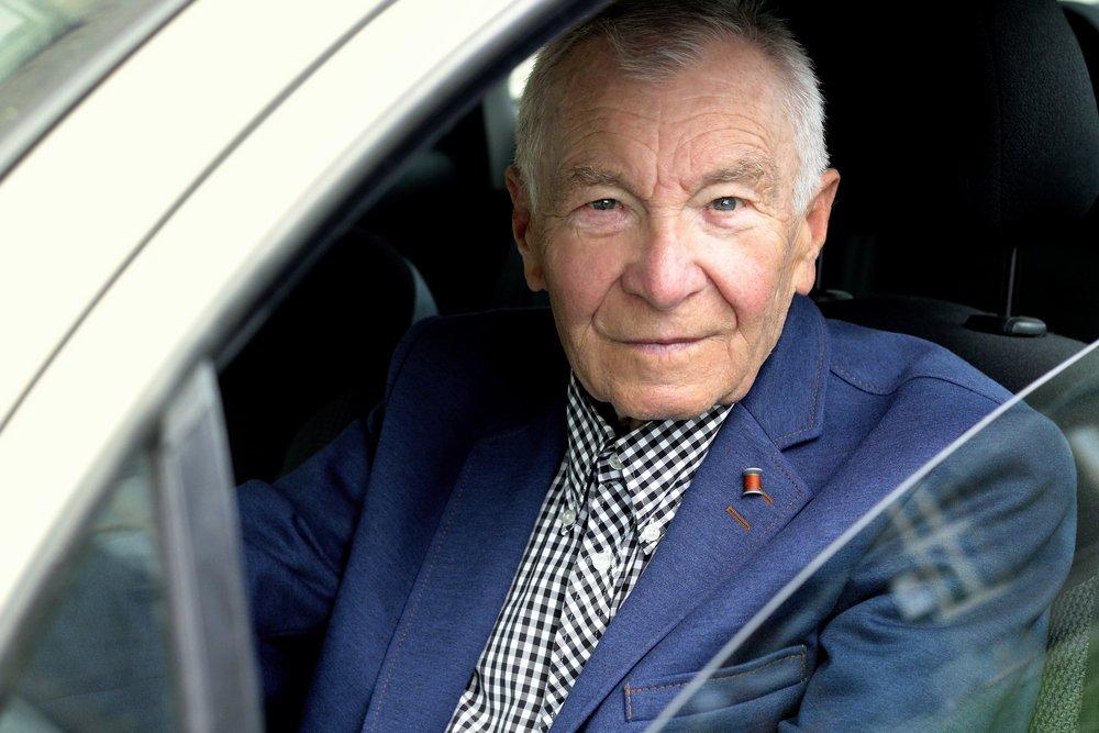 When Should Senior Citizens Stop Driving?